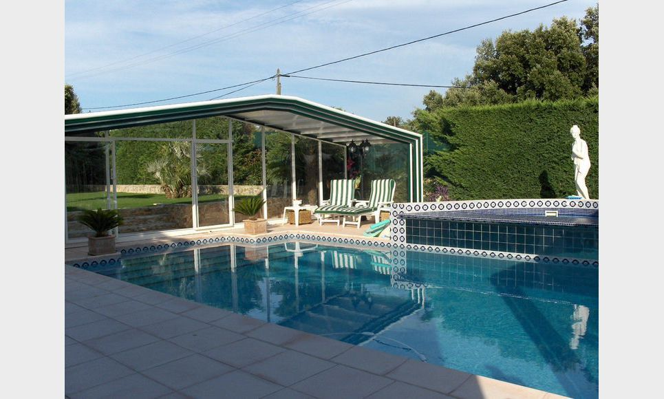 Villa 220m2 avec piscine sur 1972m2 de jardin paysage for Agence lignes paysage