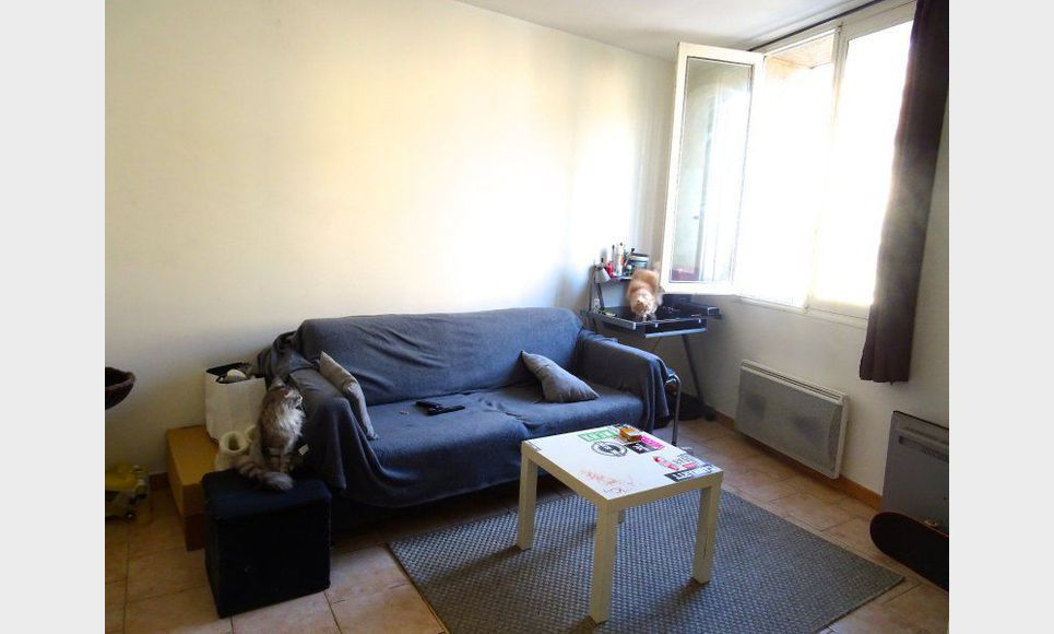 centre ville t2 meubl location appartement aix en provence 730 eur goyard associ s. Black Bedroom Furniture Sets. Home Design Ideas