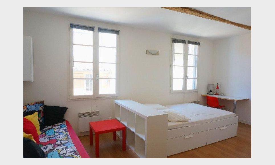 studio de 25m2 meubl proche mairie aix en provence location appartement aix en provence. Black Bedroom Furniture Sets. Home Design Ideas