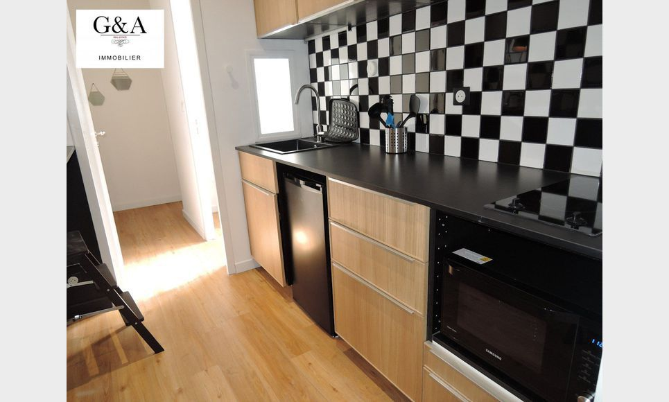 rue d 39 italie appartement de type 3 standing et meubl location appartement aix en provence. Black Bedroom Furniture Sets. Home Design Ideas