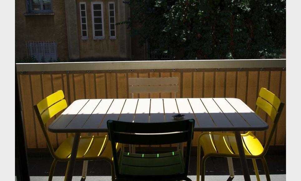 location appartement meubl t4 quartier st jerome centre vil location appartement aix en. Black Bedroom Furniture Sets. Home Design Ideas