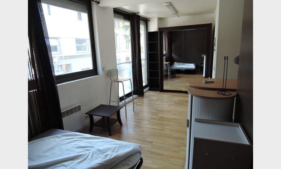 studio moderne de 20 m2 aix en provence location appartement aix en provence 620 eur. Black Bedroom Furniture Sets. Home Design Ideas