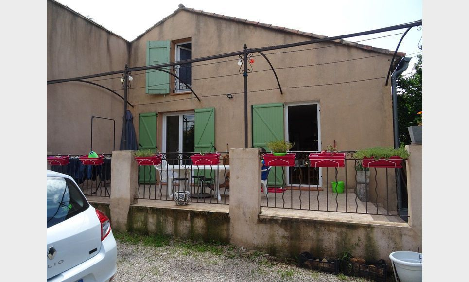 maison t5 st maximin jardin location maison villa. Black Bedroom Furniture Sets. Home Design Ideas