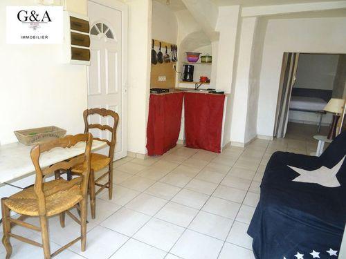 Immobilier sur Le Val : Appartement de 1 pieces