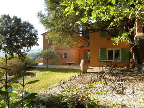 Immobilier sur Besse-sur-Issole : Maison - Villa de 9 pieces