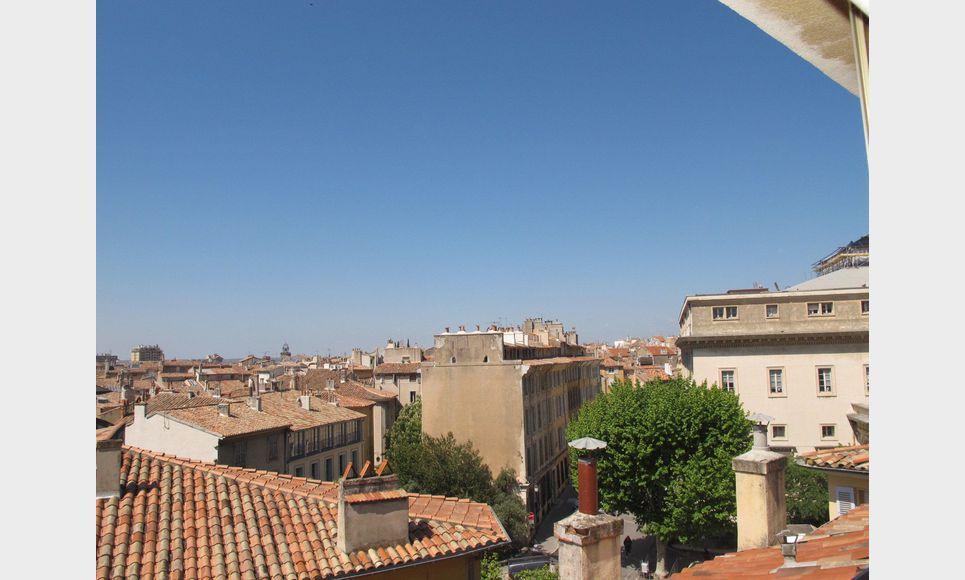 Aix en provence centre ville appartement t3 en duplex avec for Achat maison aix en provence centre ville
