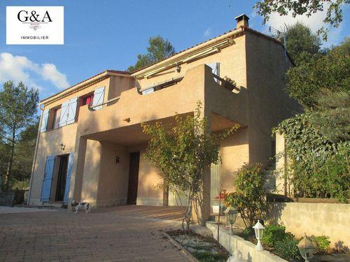 Immobilier sur Le Val : Maison - Villa de 6 pieces