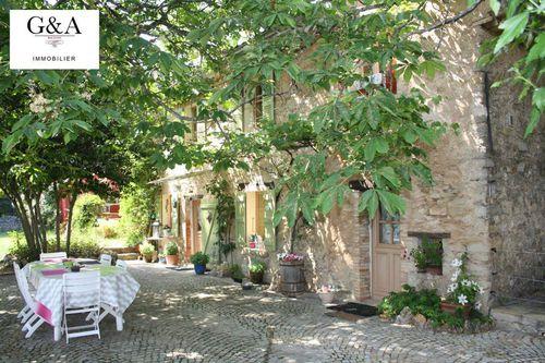 Immobilier sur Le Val : Maison - Villa de 5 pieces