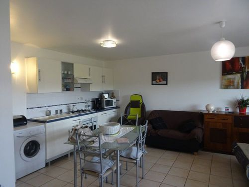 Immobilier sur Saint-Maximin-la-Sainte-Baume : Appartement de 2 pieces
