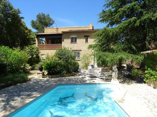 Immobilier sur Saint-Maximin-la-Sainte-Baume : Maison - Villa de 7 pieces