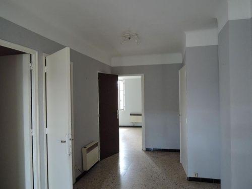 Immobilier sur Nans-les-Pins : Appartement de 2 pieces