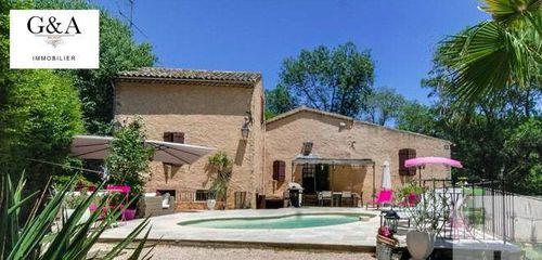 Immobilier sur Vins-sur-Caramy : Maison - Villa de 6 pieces