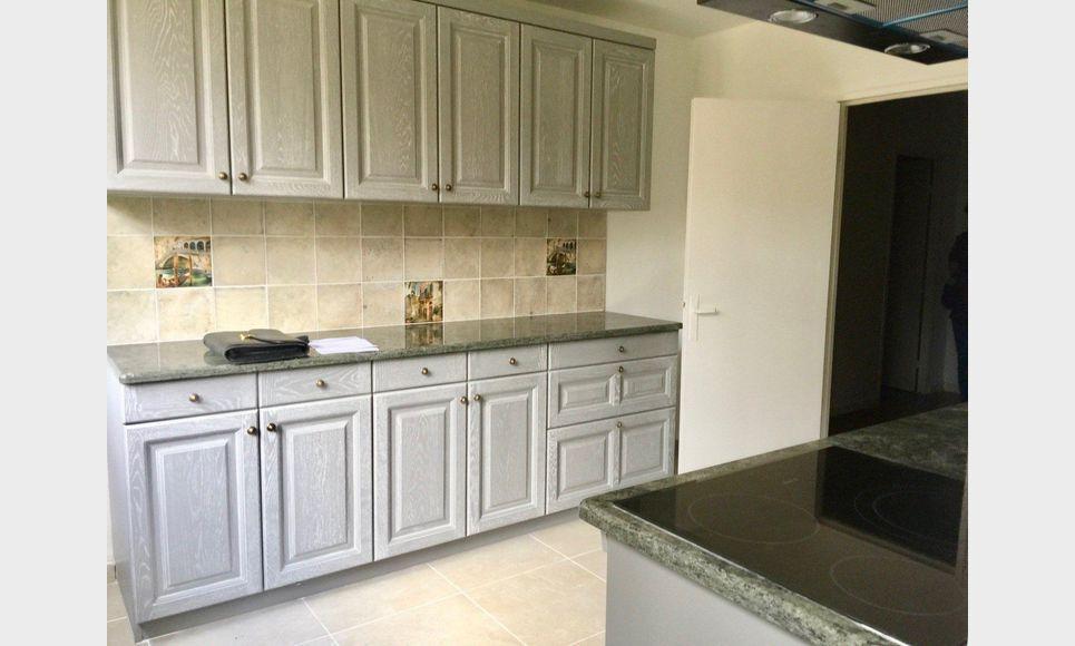 appartement t3 4 86 4m2 location appartement aix en provence 1070 eur goyard. Black Bedroom Furniture Sets. Home Design Ideas