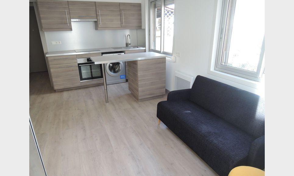 Appartement meubl de type 2 avec terrasse en centre ville location appartement aix en - Appartement meuble aix en provence ...