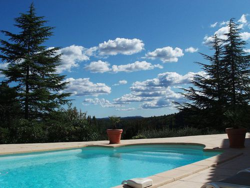 Immobilier sur Saint-Maximin-la-Sainte-Baume : Maison - Villa de 6 pieces