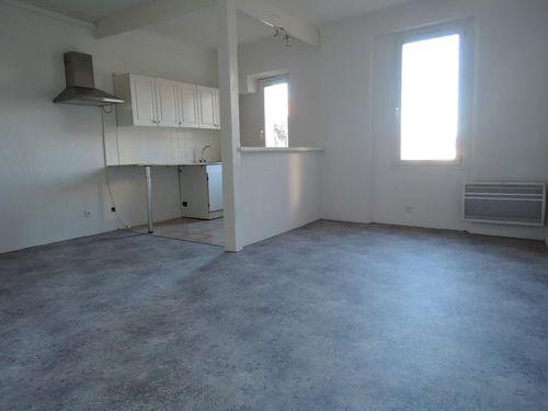 Immobilier sur Saint-Maximin-la-Sainte-Baume : Appartement de 3 pieces