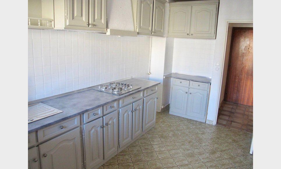 appartement 3 pi ces 83 10m2 location appartement aix en provence 830 eur goyard. Black Bedroom Furniture Sets. Home Design Ideas