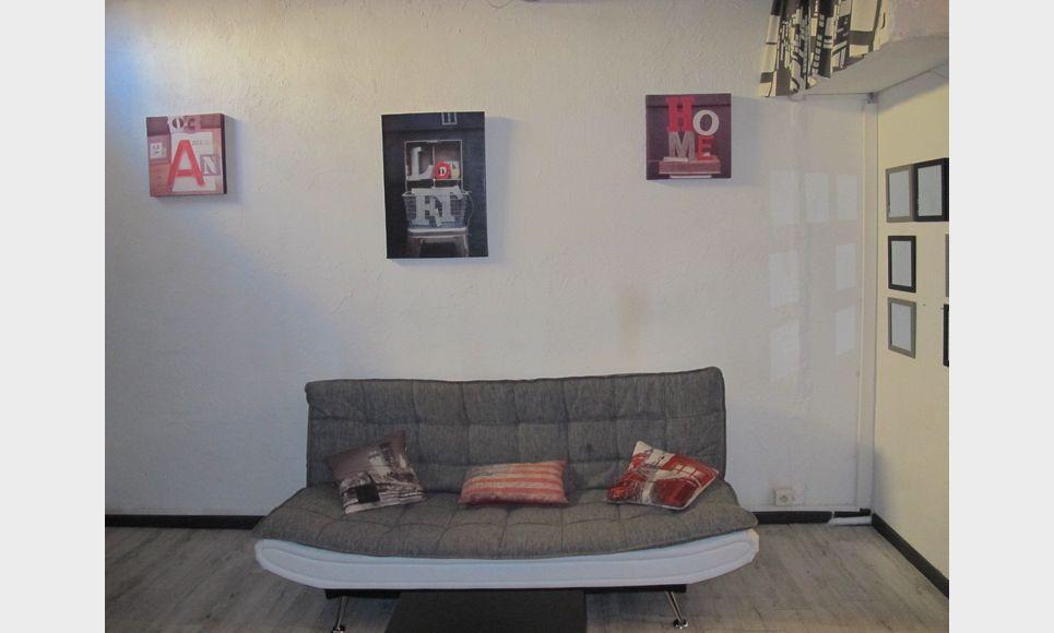studio meubl 28m2 centre ville aix en provence vente. Black Bedroom Furniture Sets. Home Design Ideas