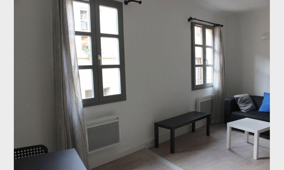 appartement centre ville t1 bis meubl 30m2 location appartement aix en provence 745 eur. Black Bedroom Furniture Sets. Home Design Ideas