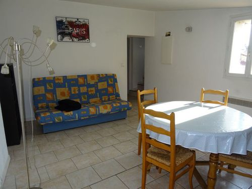 Immobilier sur Saint-Maximin-la-Sainte-Baume : Appartement de 3 pieces