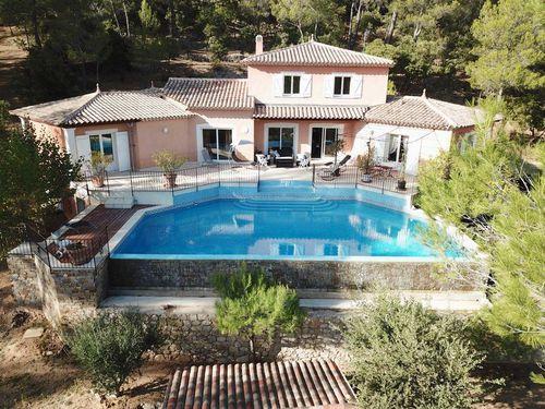 Immobilier sur Correns : Maison - Villa de 7 pieces
