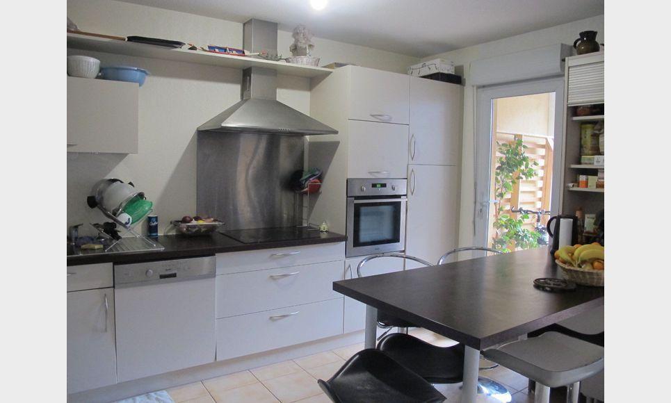Appartement t3 avec terrasse et garage vente appartement for Self garage aix en provence