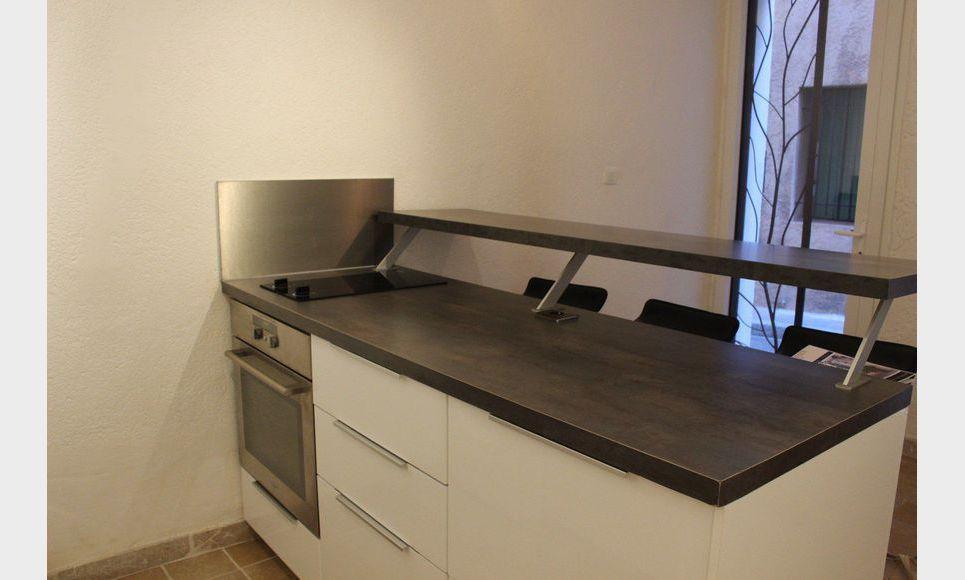 appartement t1 bis meubl 25m2 centre ville location appartement aix en provence 750 eur. Black Bedroom Furniture Sets. Home Design Ideas