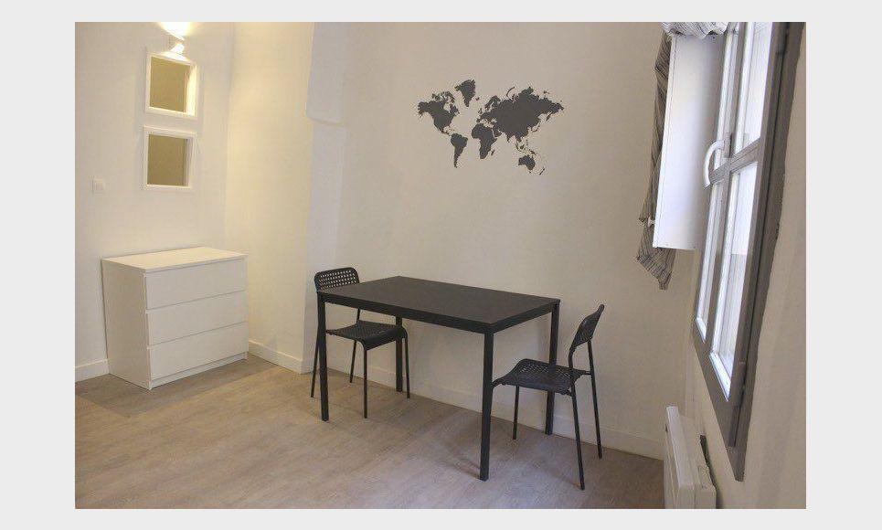 centre ville t1 bis meubl 30m2 location appartement aix en provence 695 eur goyard. Black Bedroom Furniture Sets. Home Design Ideas