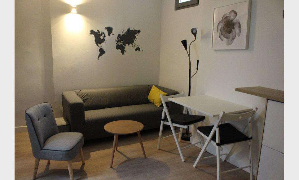 centre ville t2 meubl 30m2 location appartement aix en provence 600 eur goyard. Black Bedroom Furniture Sets. Home Design Ideas