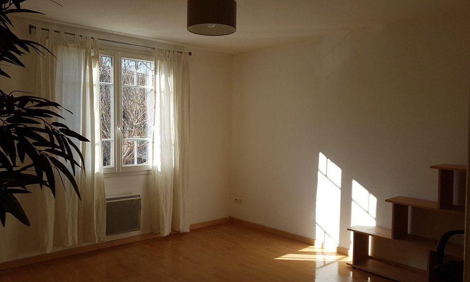 Aix en provence st jerome appartement de type 3 avec for Appartement avec jardin nice