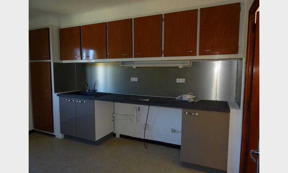 Appartement t3 tourves location appartement tourves for Location appartement non meuble paris