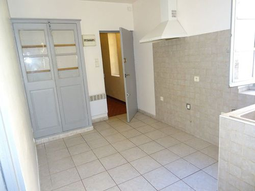 Immobilier sur Rougiers : Appartement de 2 pieces
