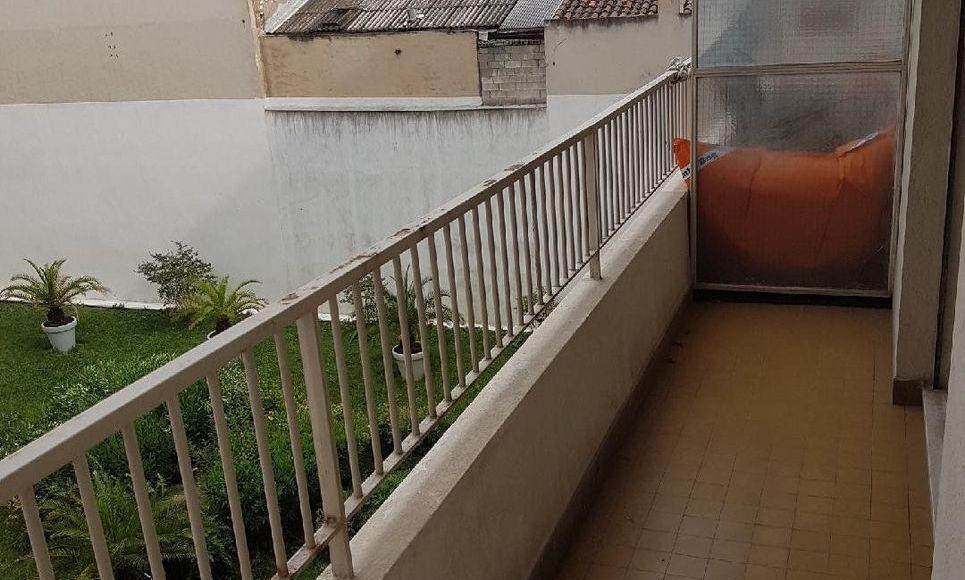 Appartement T1 32m2 balcon cour intérieure et cave : Photo 2