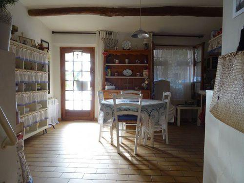 Immobilier sur Saint-Maximin-la-Sainte-Baume : Appartement de 1 pieces