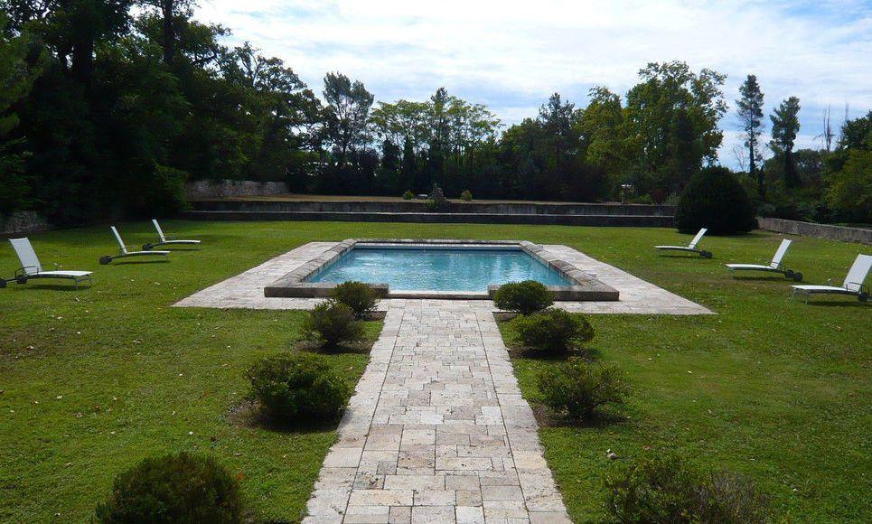 Propriété du 17ème siècle sur 3 hectares de terrain à Aix en : Photo 2