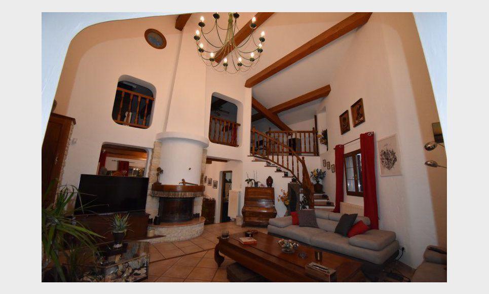 Très belle villa de 220m2 à Ventabren sur 5792m2 de terrain : Photo 1