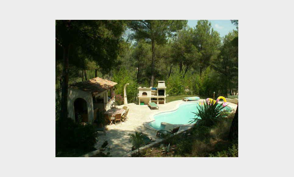 Très belle villa de 220m2 à Ventabren sur 5792m2 de terrain