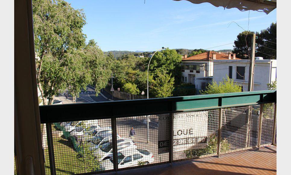 T3 79m2 avec terrasse et parking AIX RES STE VICTOIRE : Photo 3