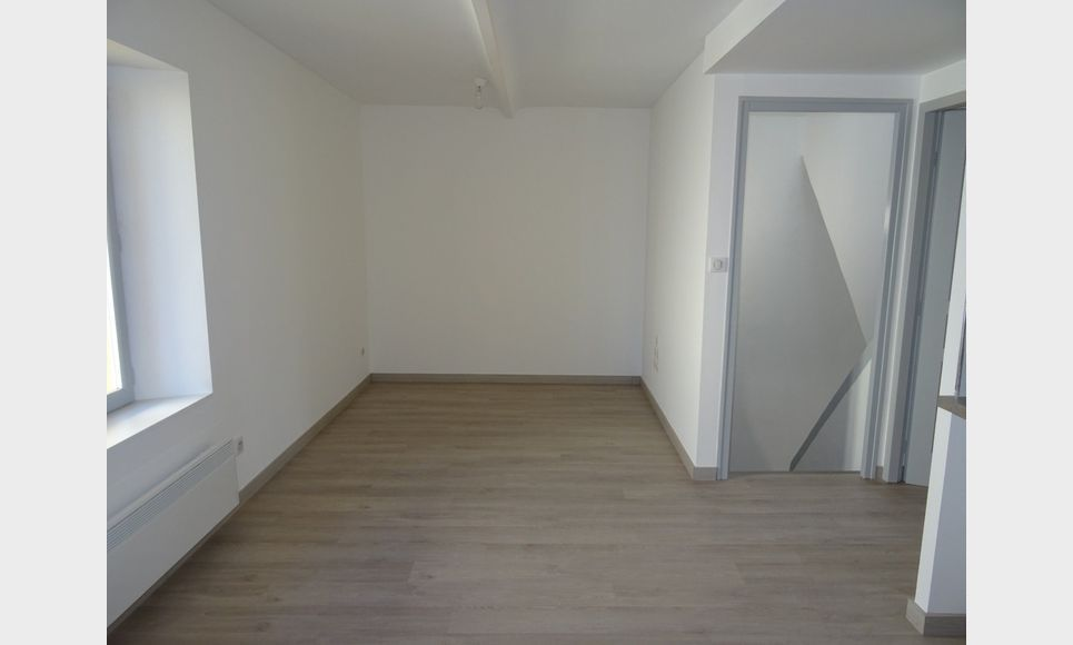 APPARTEMENT NEUF - ROUGIERS : Photo 2