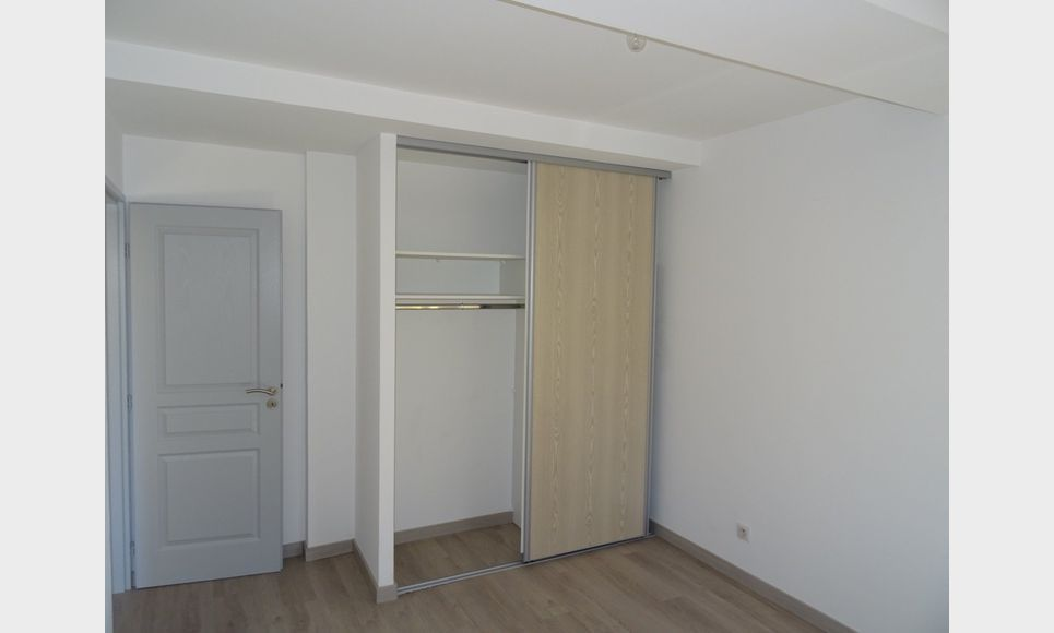 APPARTEMENT NEUF - ROUGIERS : Photo 6