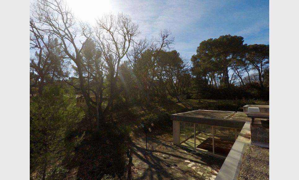 Villa d'architecte toit terrasse T6 261,55m2 sur 6700m2 : Photo 1