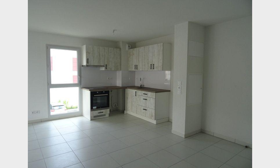 Appartement t3 neuf avec terrasse et parking : Photo 1