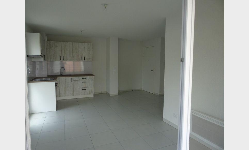 Appartement t3 neuf avec terrasse et parking : Photo 2