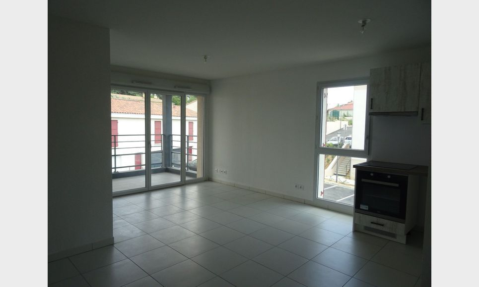 Appartement t3 neuf avec terrasse et parking : Photo 3