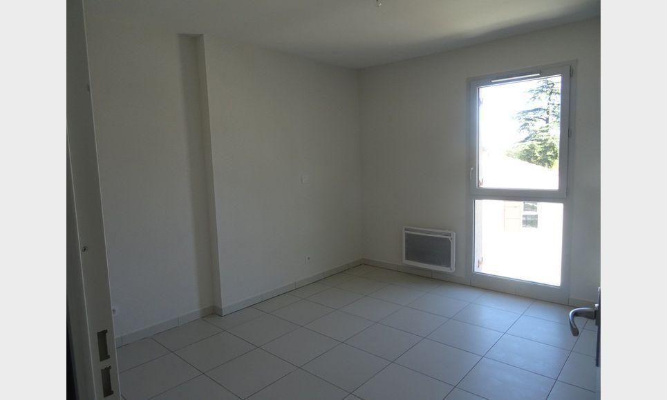 Appartement t3 neuf avec terrasse et parking : Photo 5