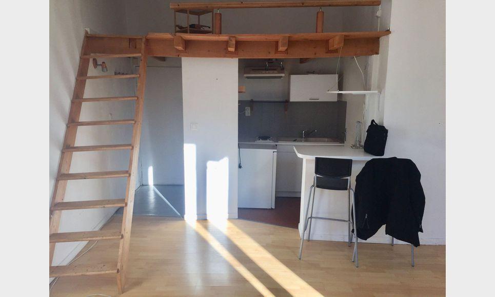 Studio avec mezzanine - 30m2 - Place des Cardeurs