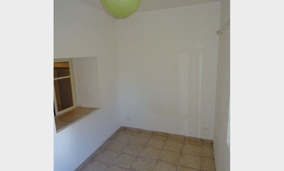 APPARTEMENT DANS MAISON DE VILLAGE : Photo 4