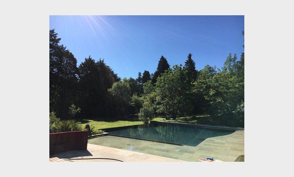Propriété de 400m2 à Aix en Provence avec piscine sur un ter : Photo 2