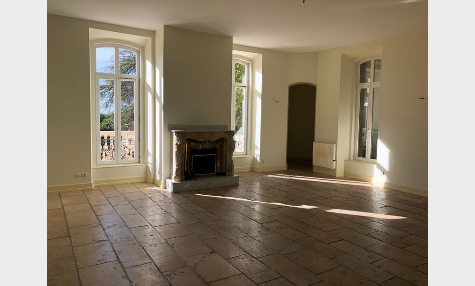 Lançon Provence - Appartement dans château : Photo 1