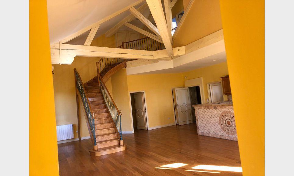 Lançon Provence 8 appartements dans château : Photo 1